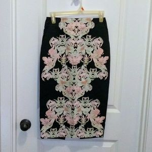 H&M beautiful floral print pencil skirt 4!